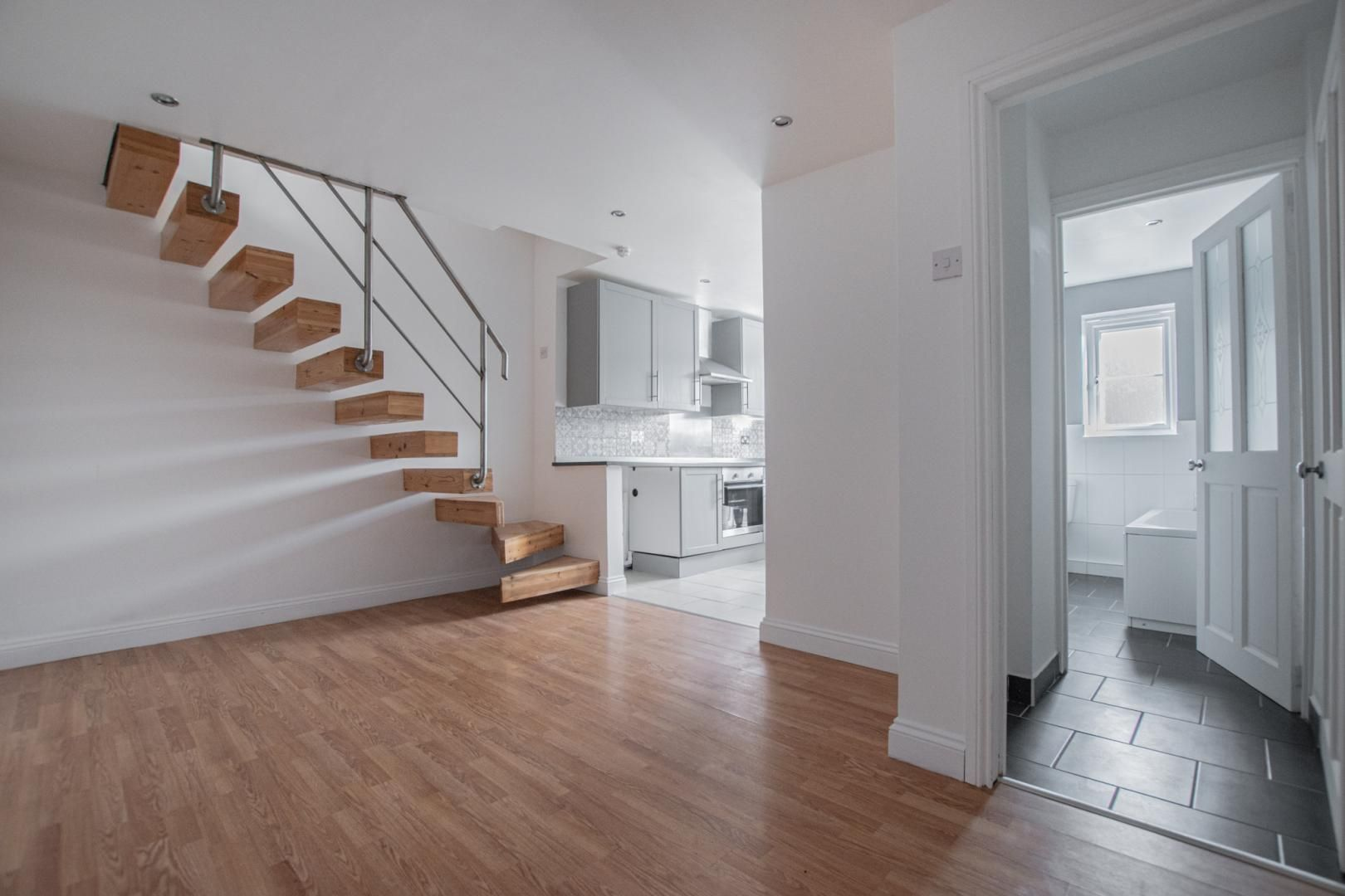 3 bed house to rent in Rectory Road 2