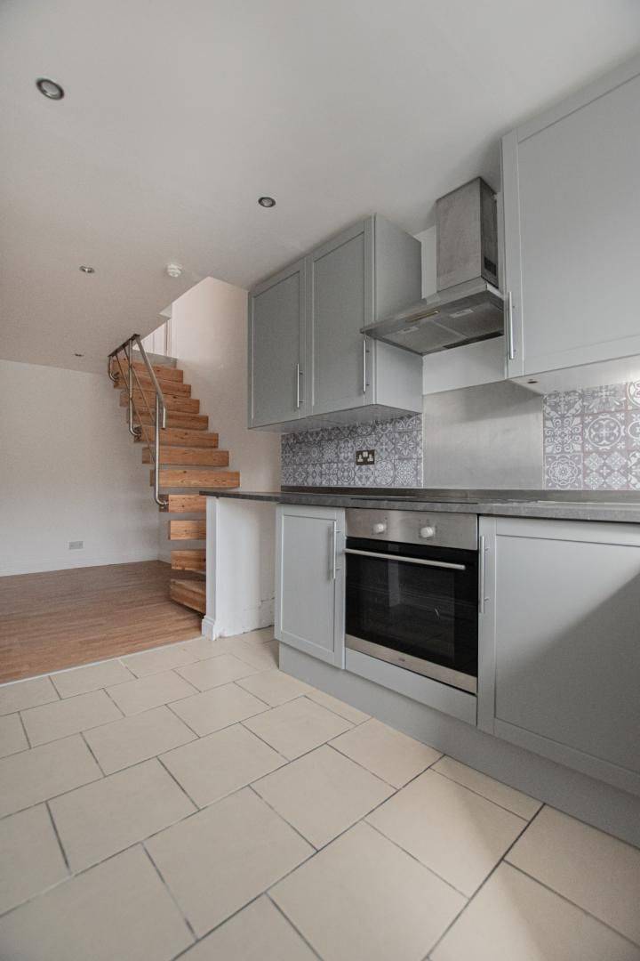 3 bed house to rent in Rectory Road 5