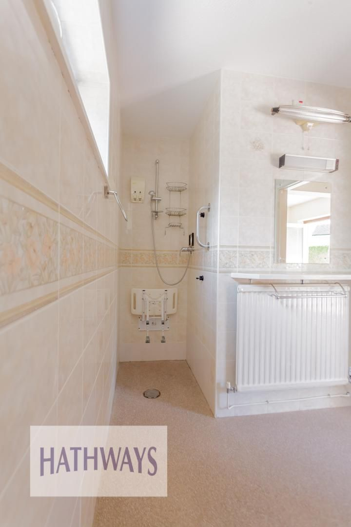 3 bed bungalow for sale in Ashford Close 37
