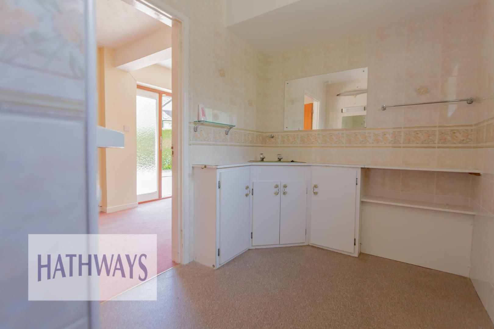 3 bed bungalow for sale in Ashford Close 38
