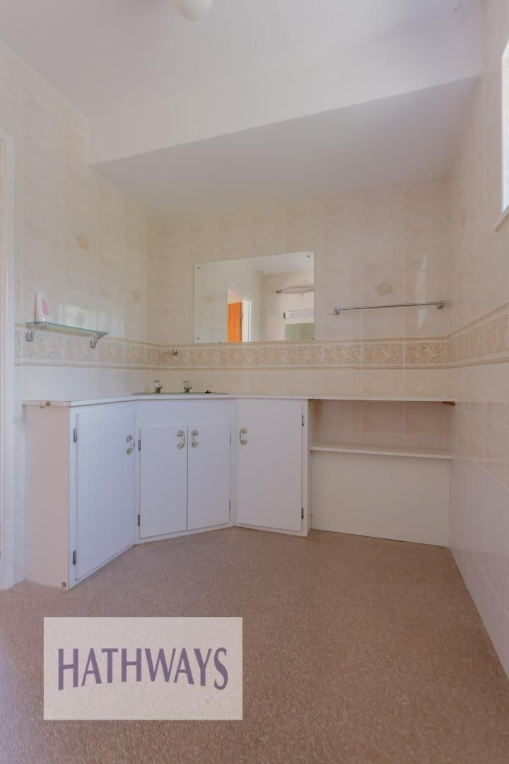 3 bed bungalow for sale in Ashford Close 39