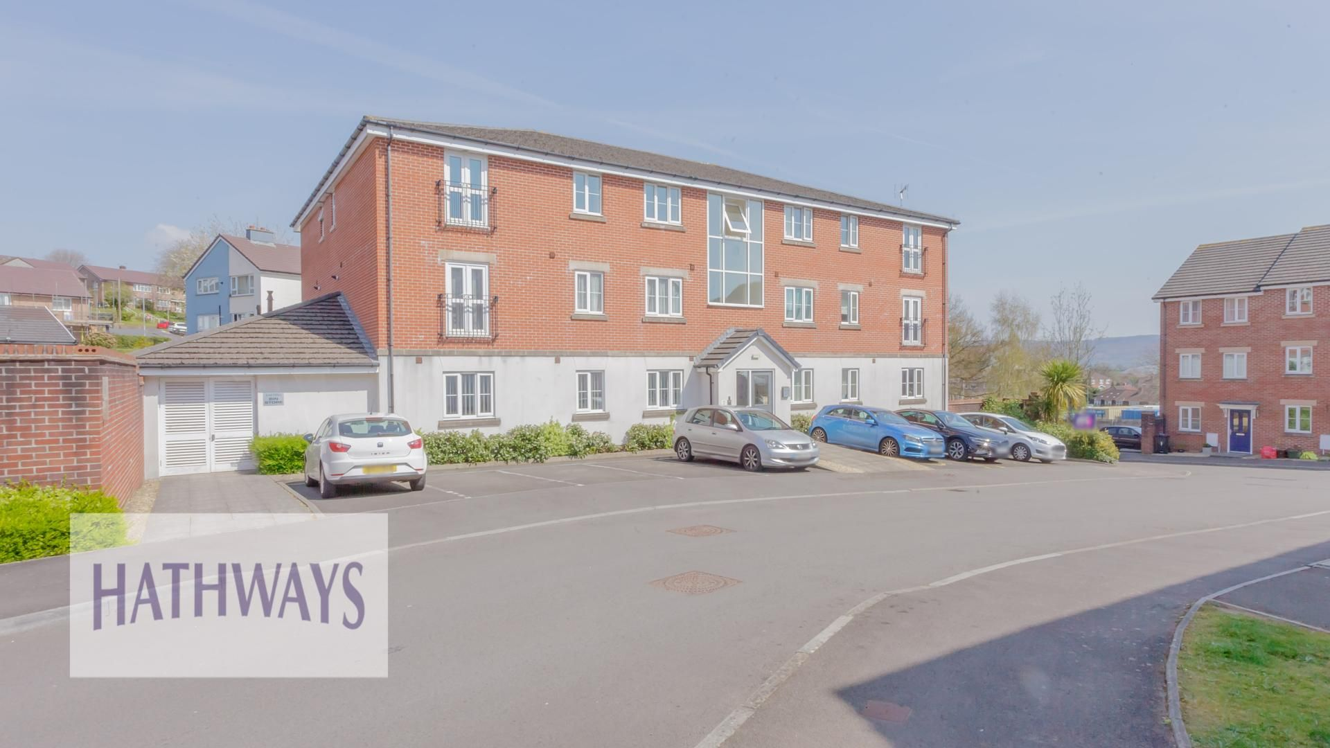 2 bed flat for sale, NP18