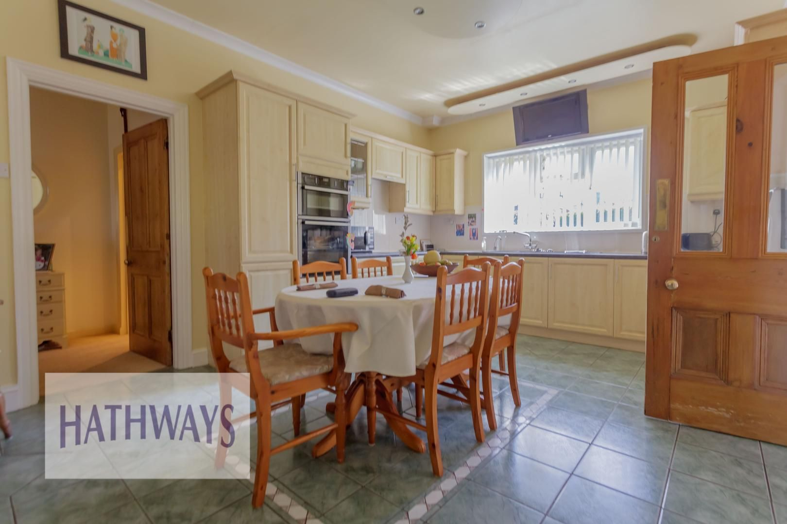 4 bed house for sale in The Avenue 18