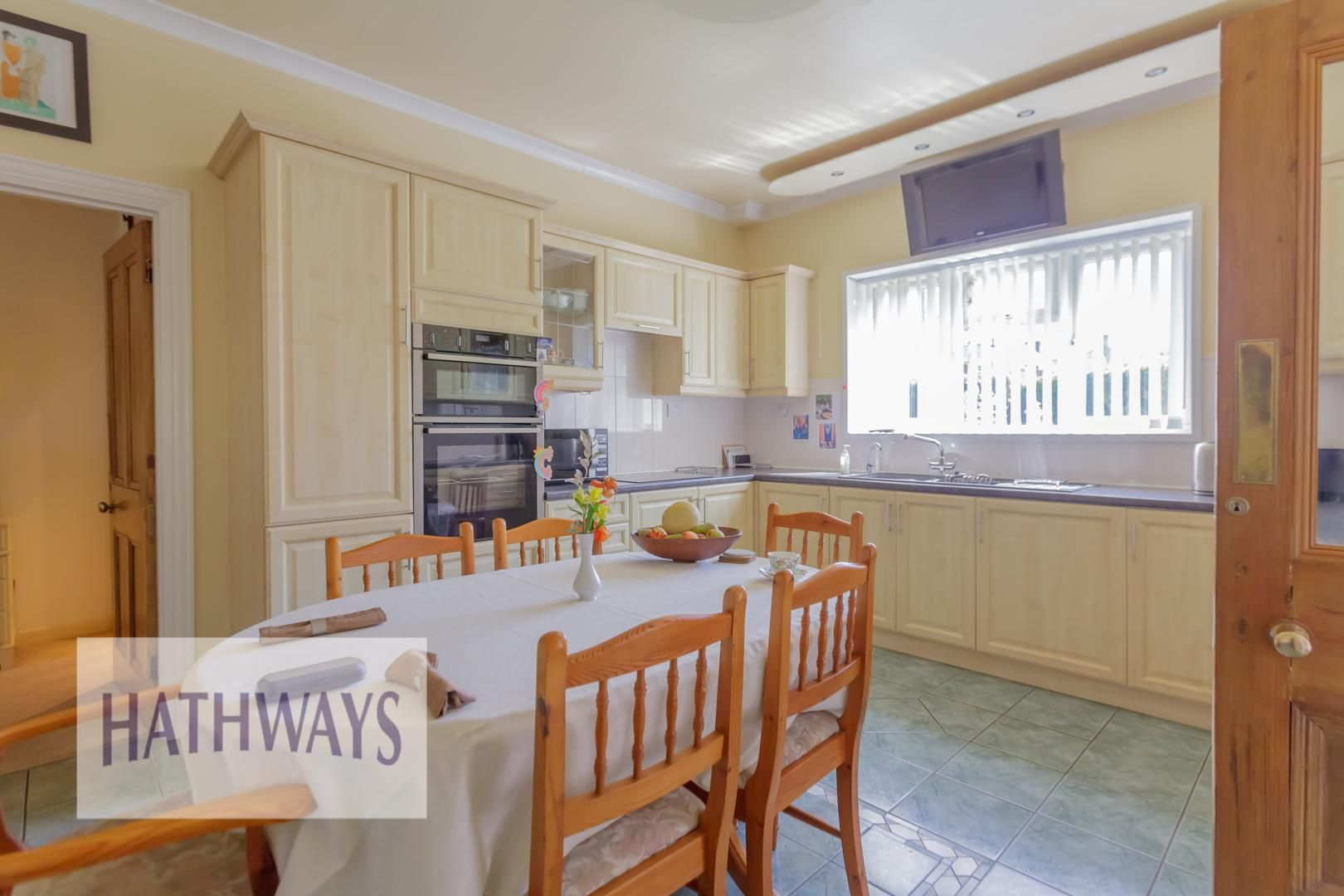 4 bed house for sale in The Avenue 19
