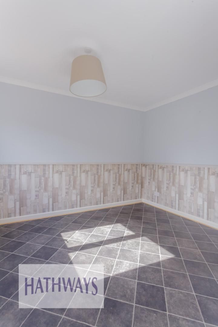 3 bed house for sale in Oaksford 11