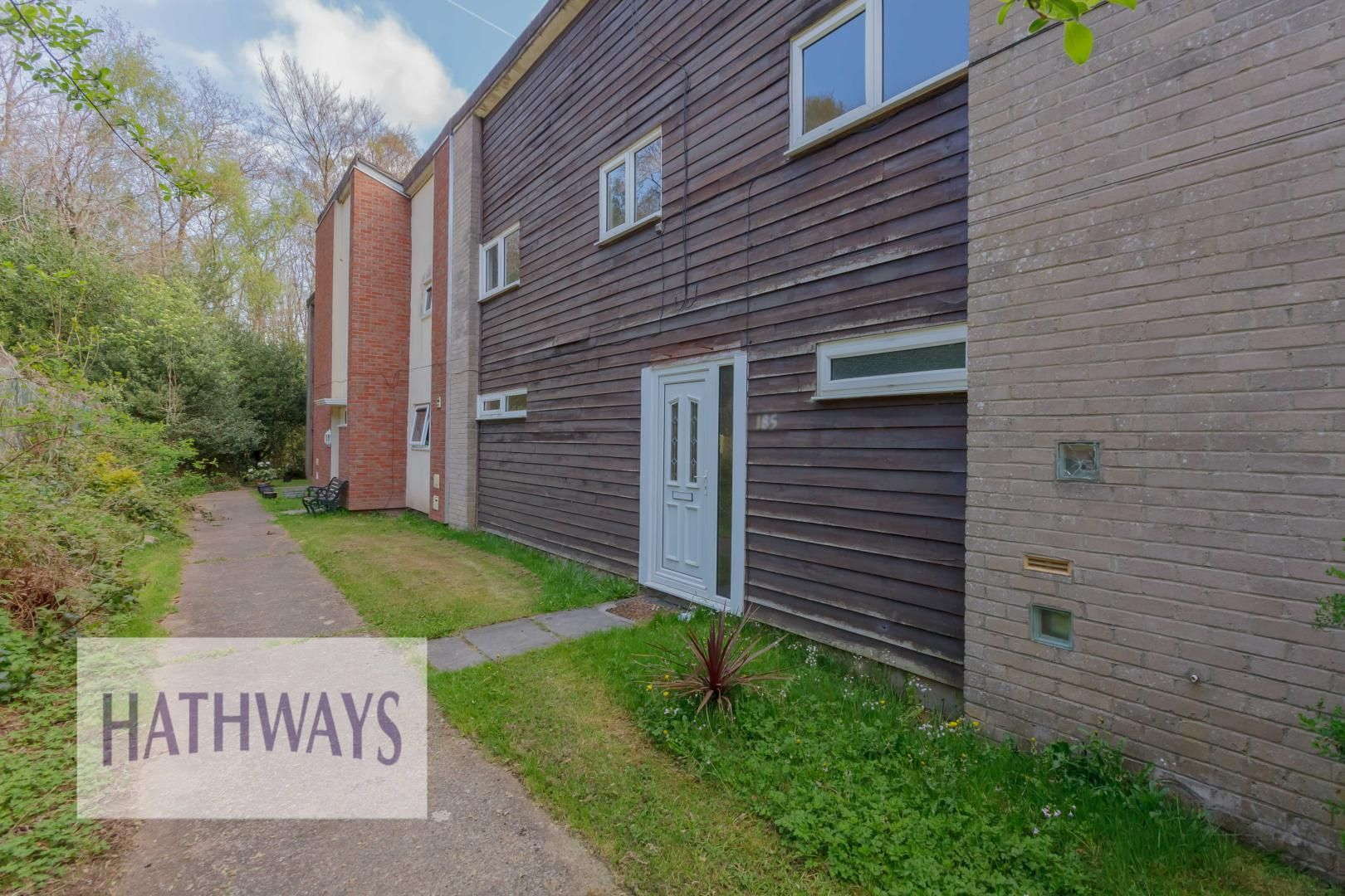 3 bed house for sale in Oaksford 3