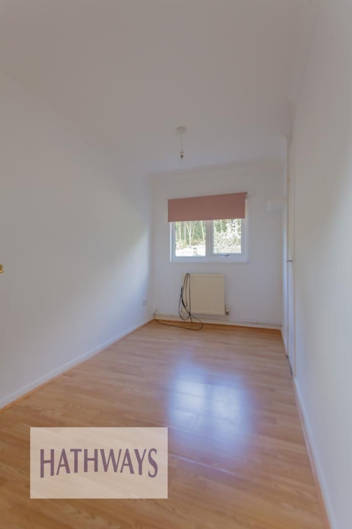 3 bed house for sale in Oaksford 28
