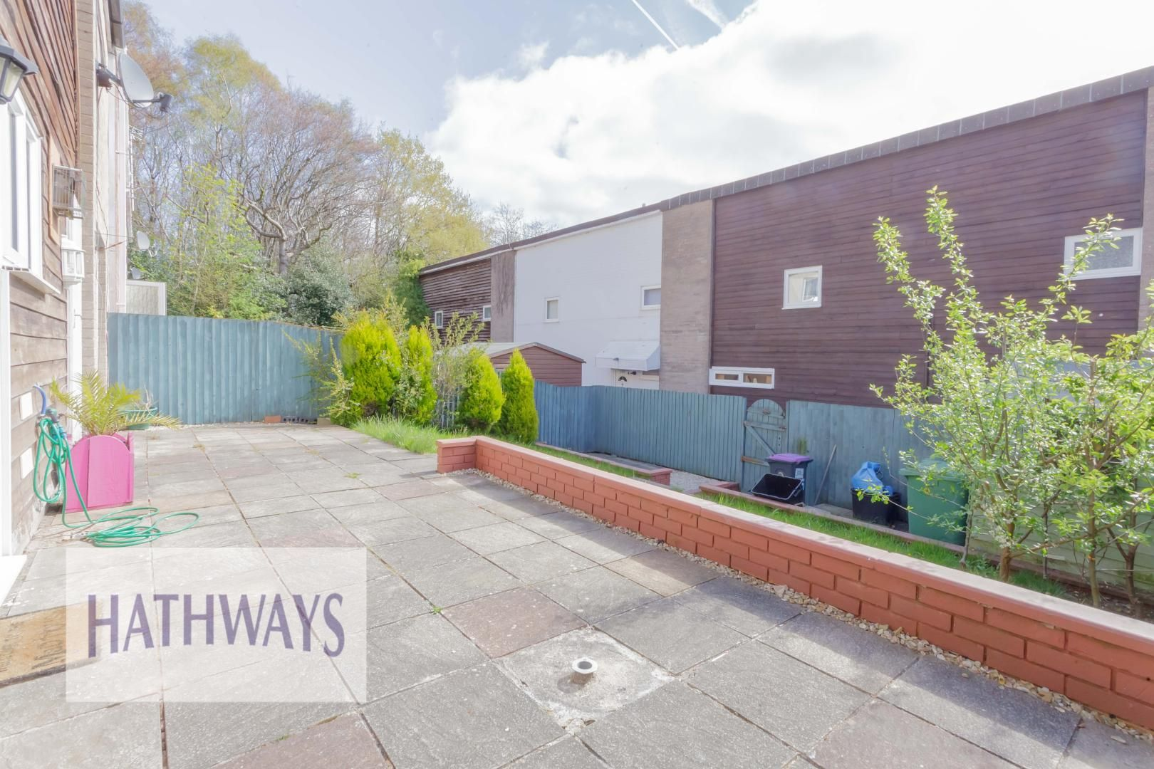 3 bed house for sale in Oaksford 37