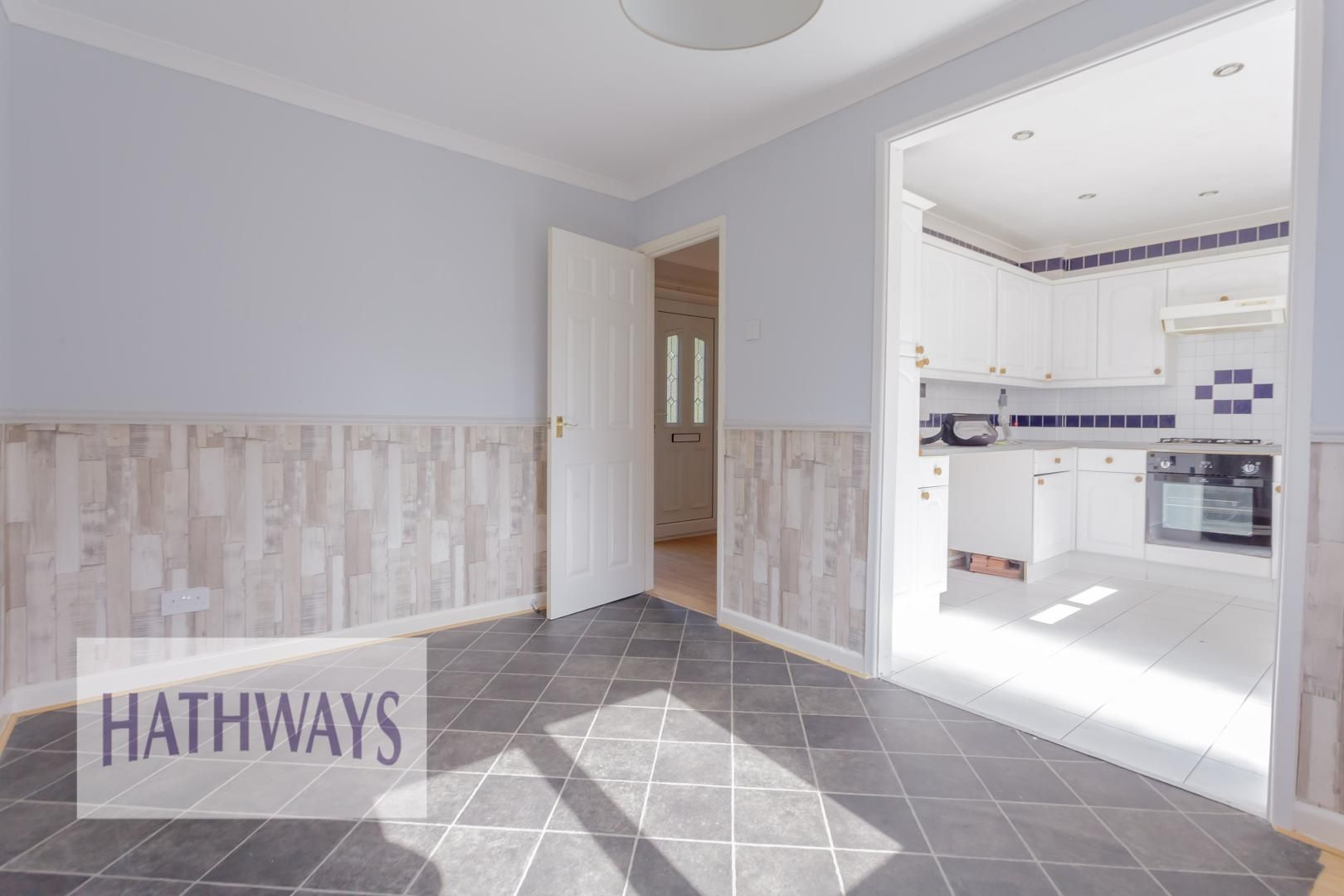 3 bed house for sale in Oaksford  - Property Image 9