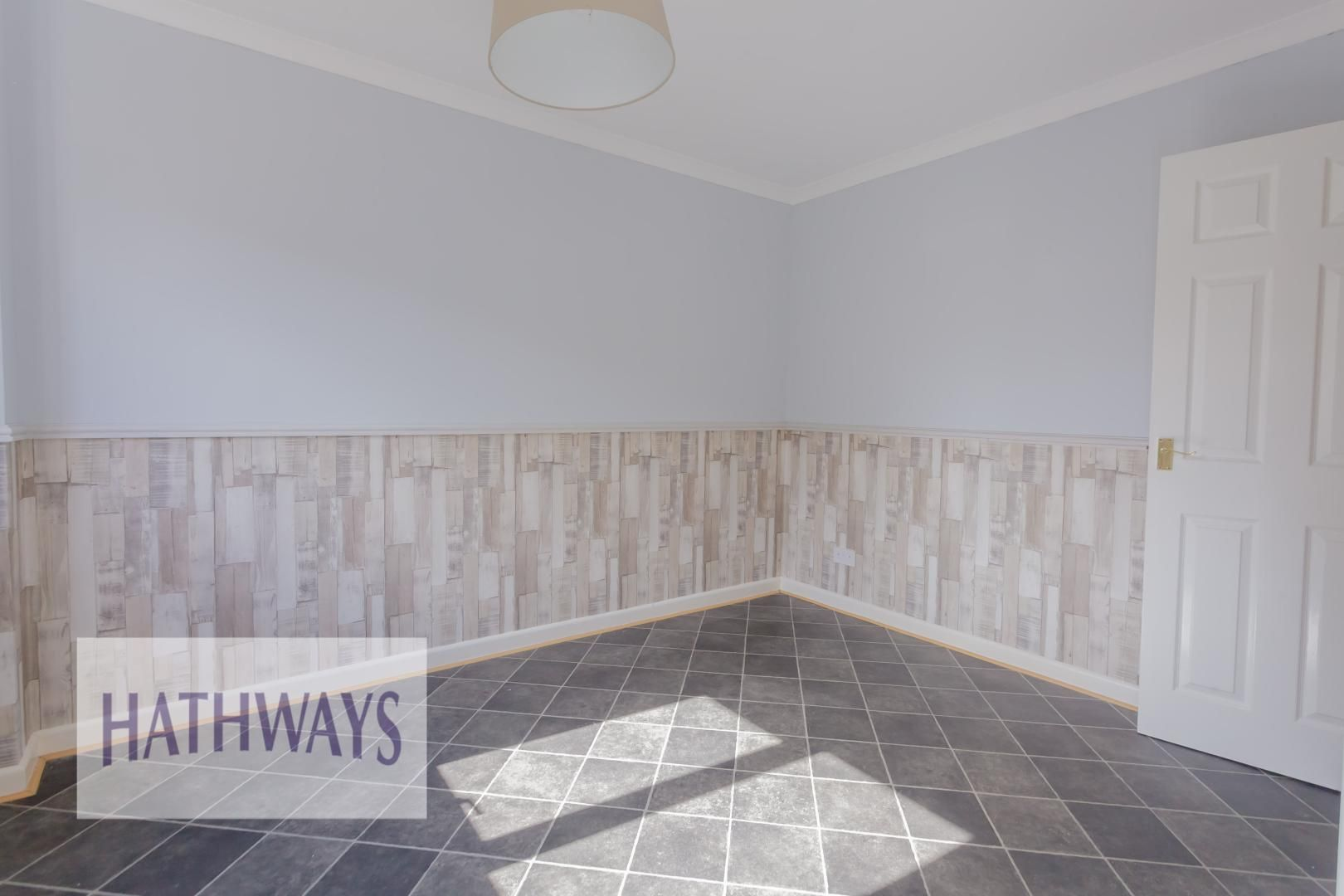 3 bed house for sale in Oaksford 10