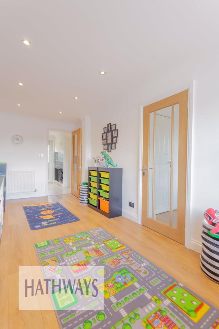 4 bed house for sale in Ashleigh Court 18