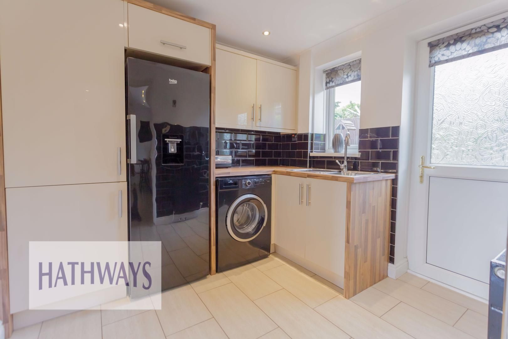 4 bed house for sale in Ashleigh Court 23