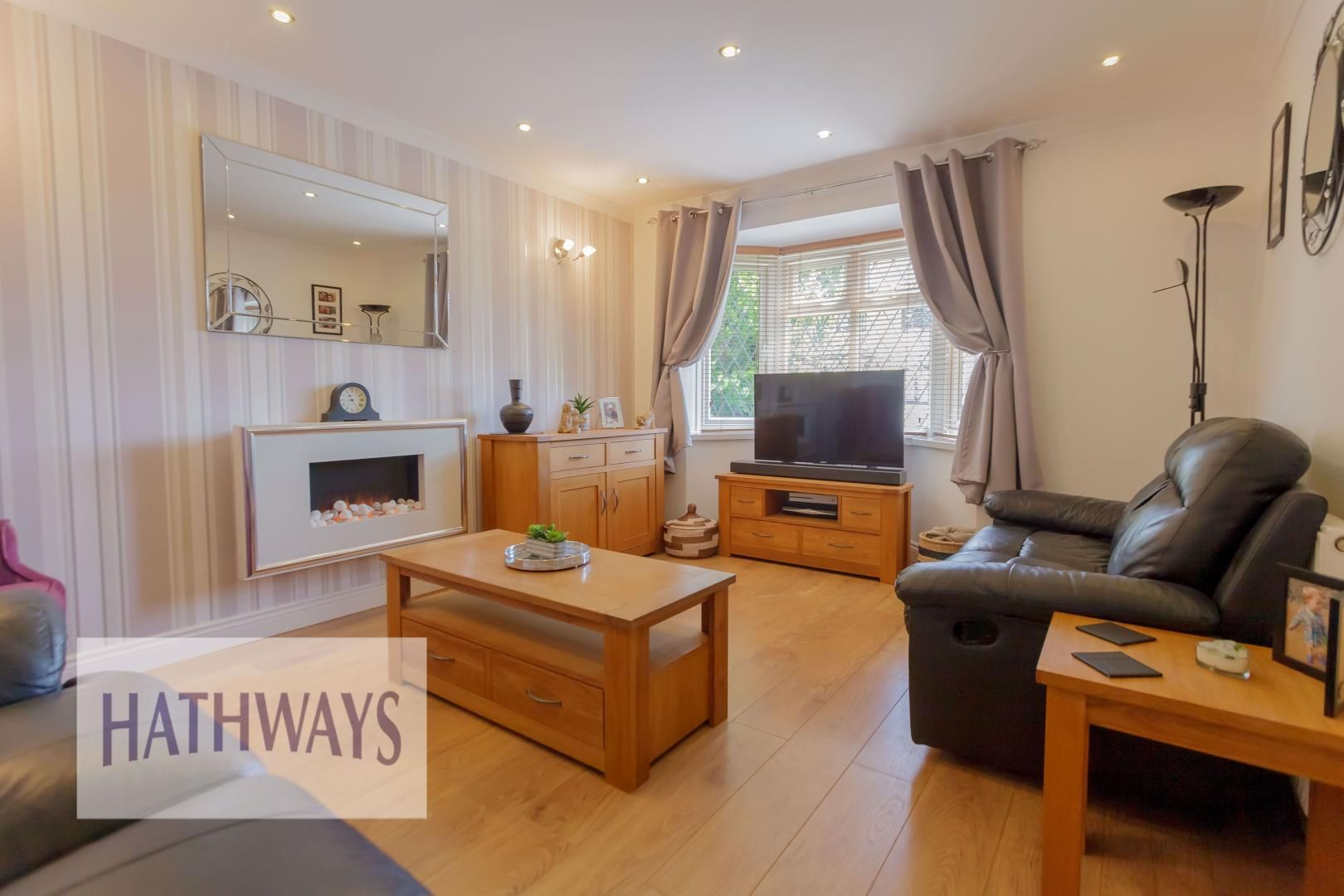 4 bed house for sale in Ashleigh Court 8