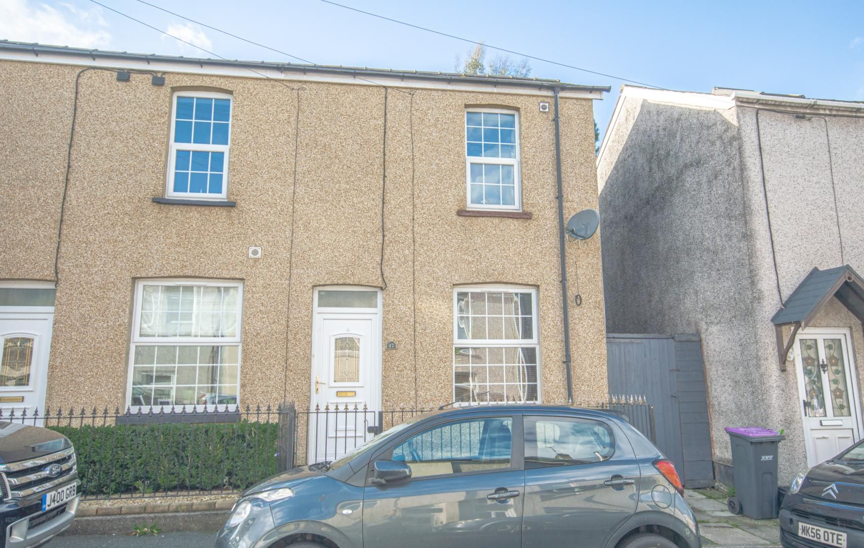 2 bed house to rent in Broad Street - Property Image 1