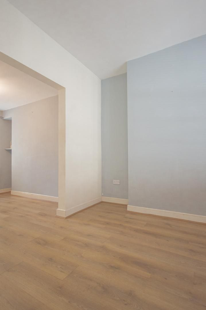 2 bed house to rent in Broad Street  - Property Image 2