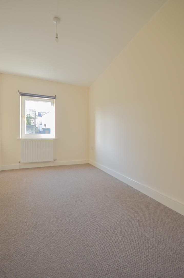 2 bed house to rent in Broad Street 13