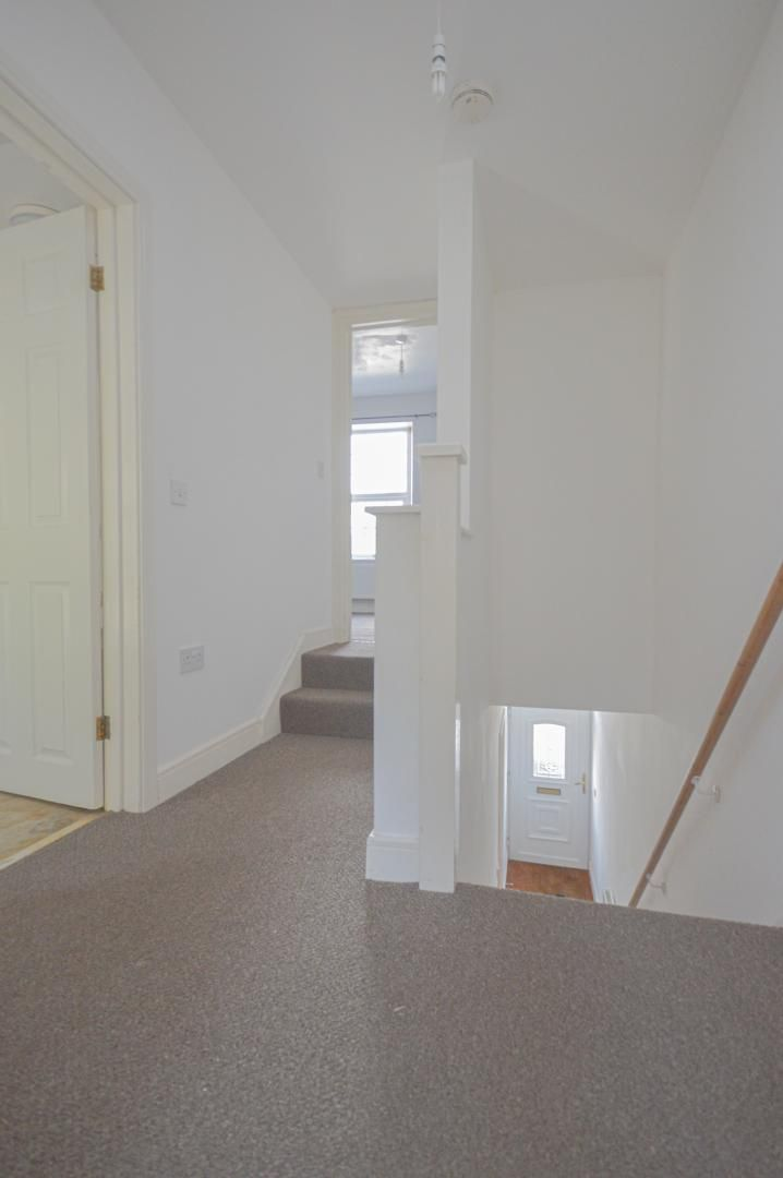 2 bed house to rent in Broad Street 16