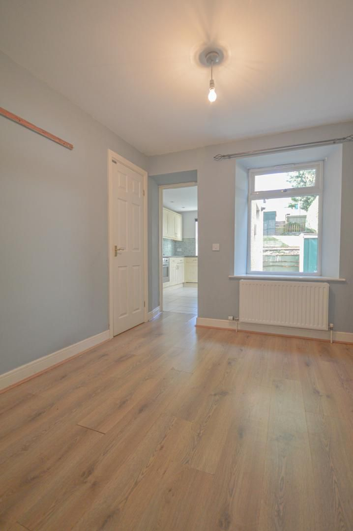 2 bed house to rent in Broad Street 6