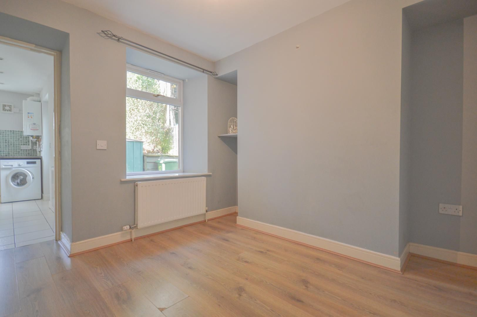 2 bed house to rent in Broad Street 7
