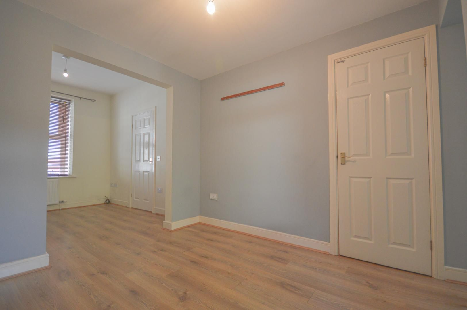 2 bed house to rent in Broad Street 8
