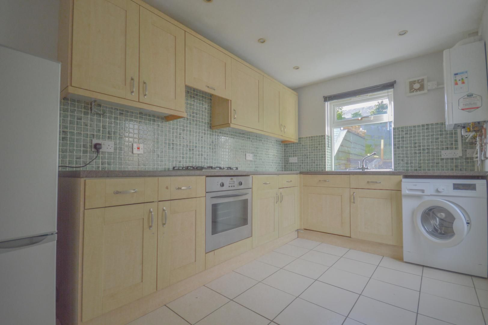 2 bed house to rent in Broad Street 10