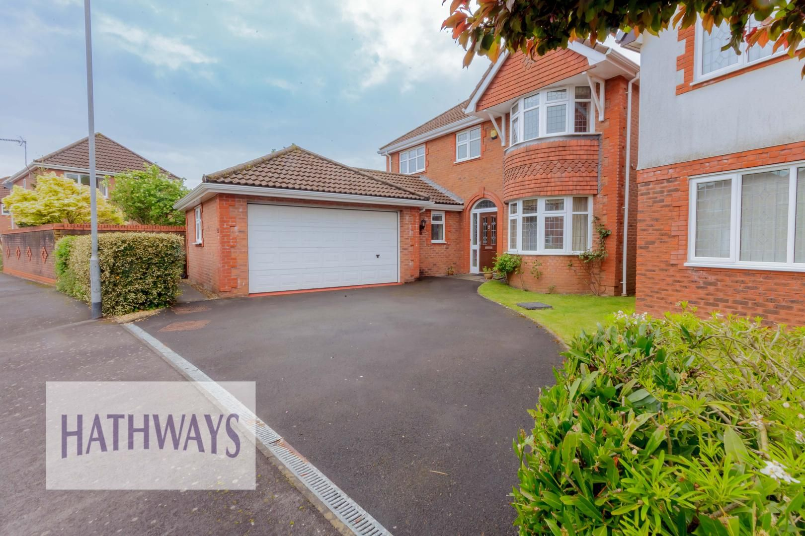 4 bed house for sale in Lansdowne Gardens 4