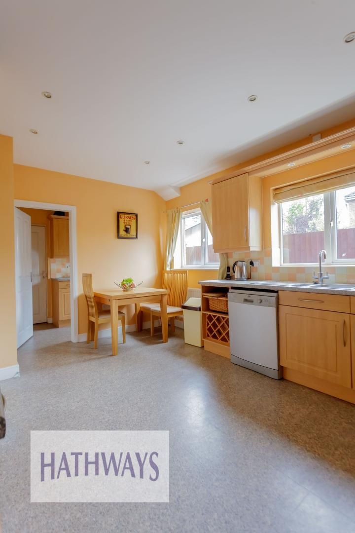 4 bed house for sale in Lansdowne Gardens  - Property Image 8