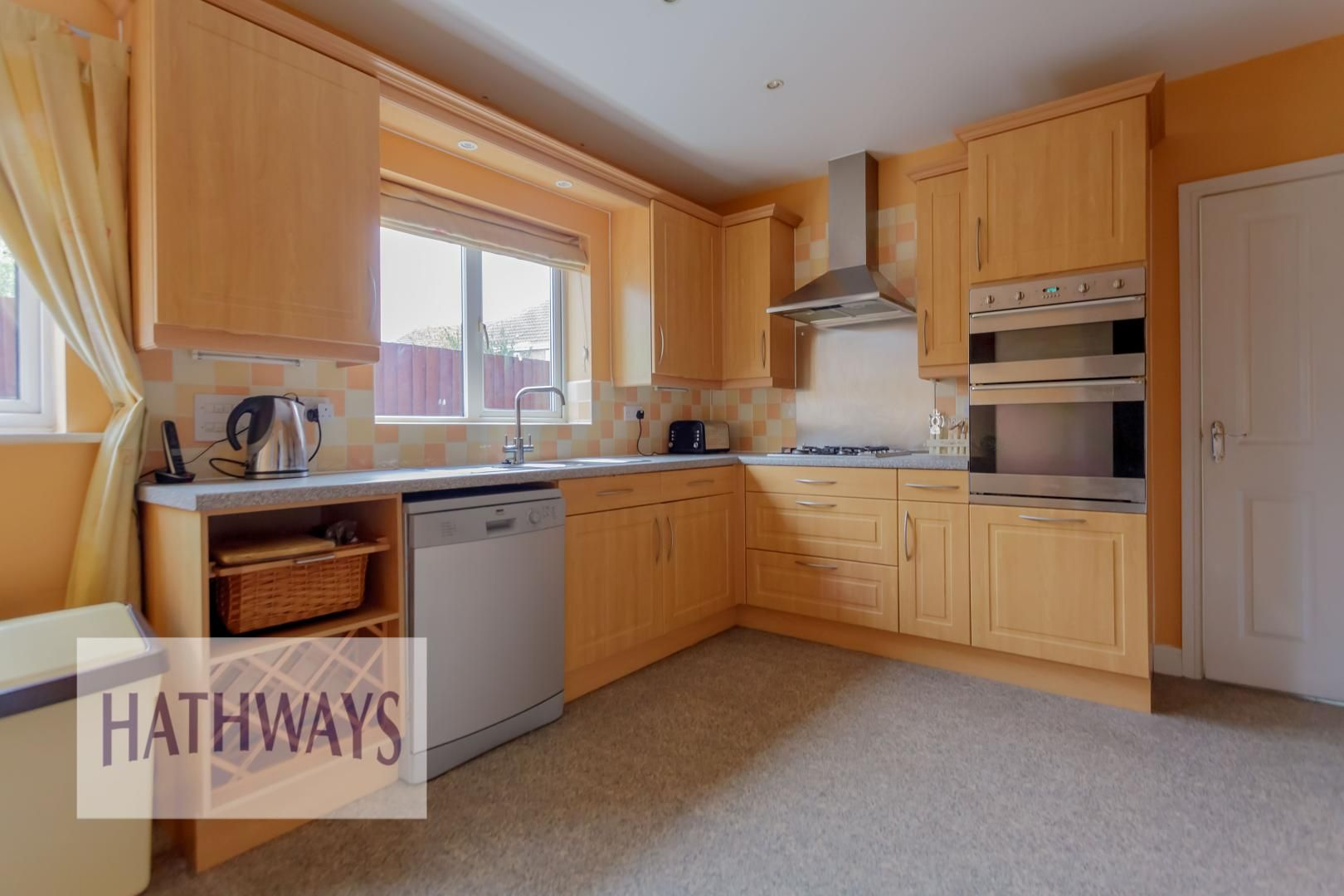 4 bed house for sale in Lansdowne Gardens 9