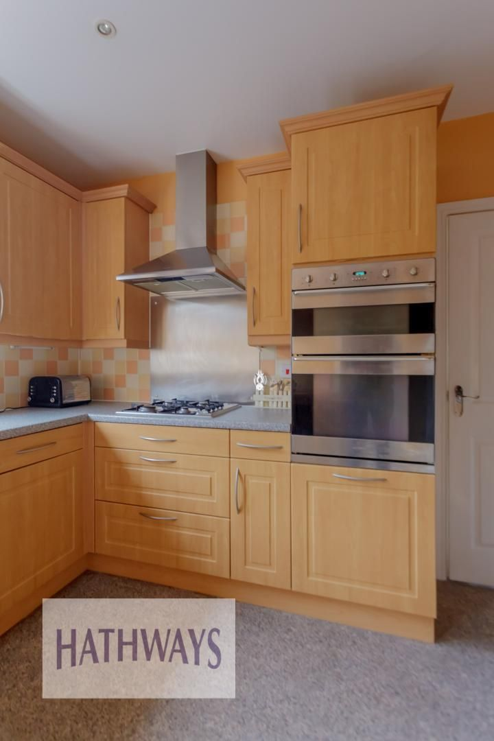 4 bed house for sale in Lansdowne Gardens 10