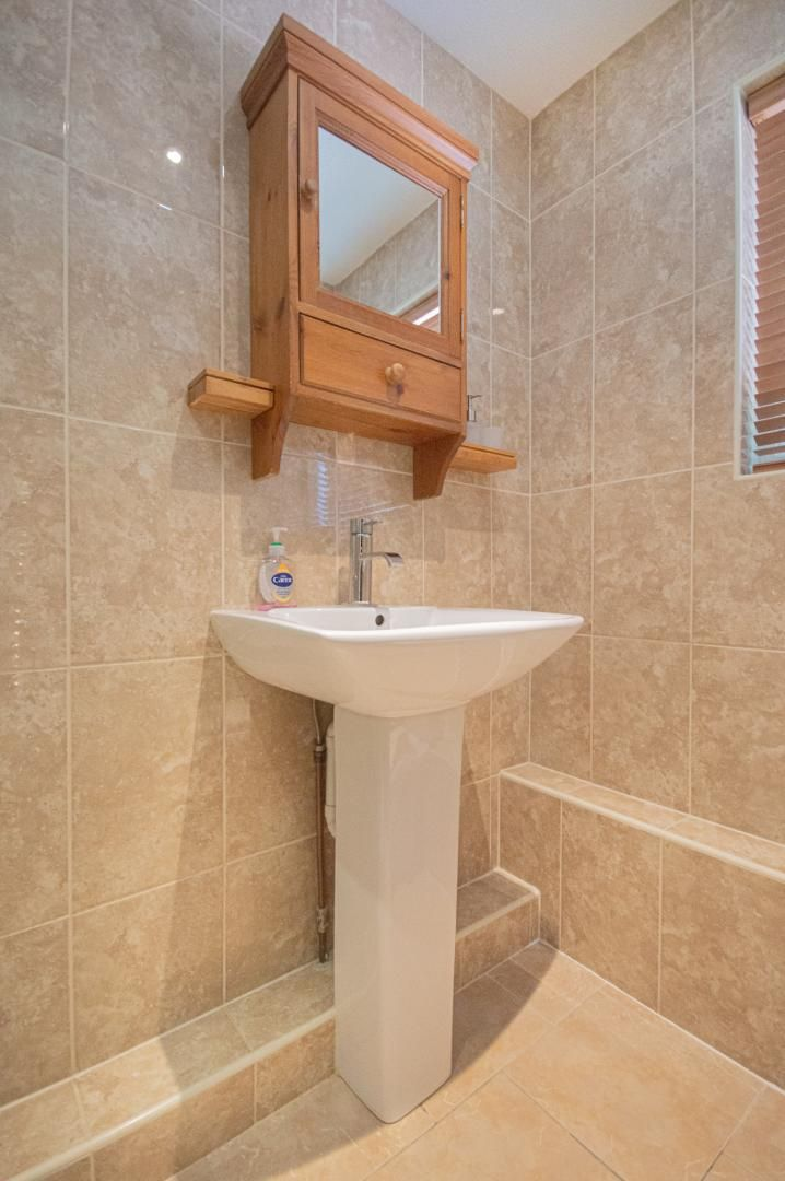 1 bed flat to rent in Afon Terrace  - Property Image 12