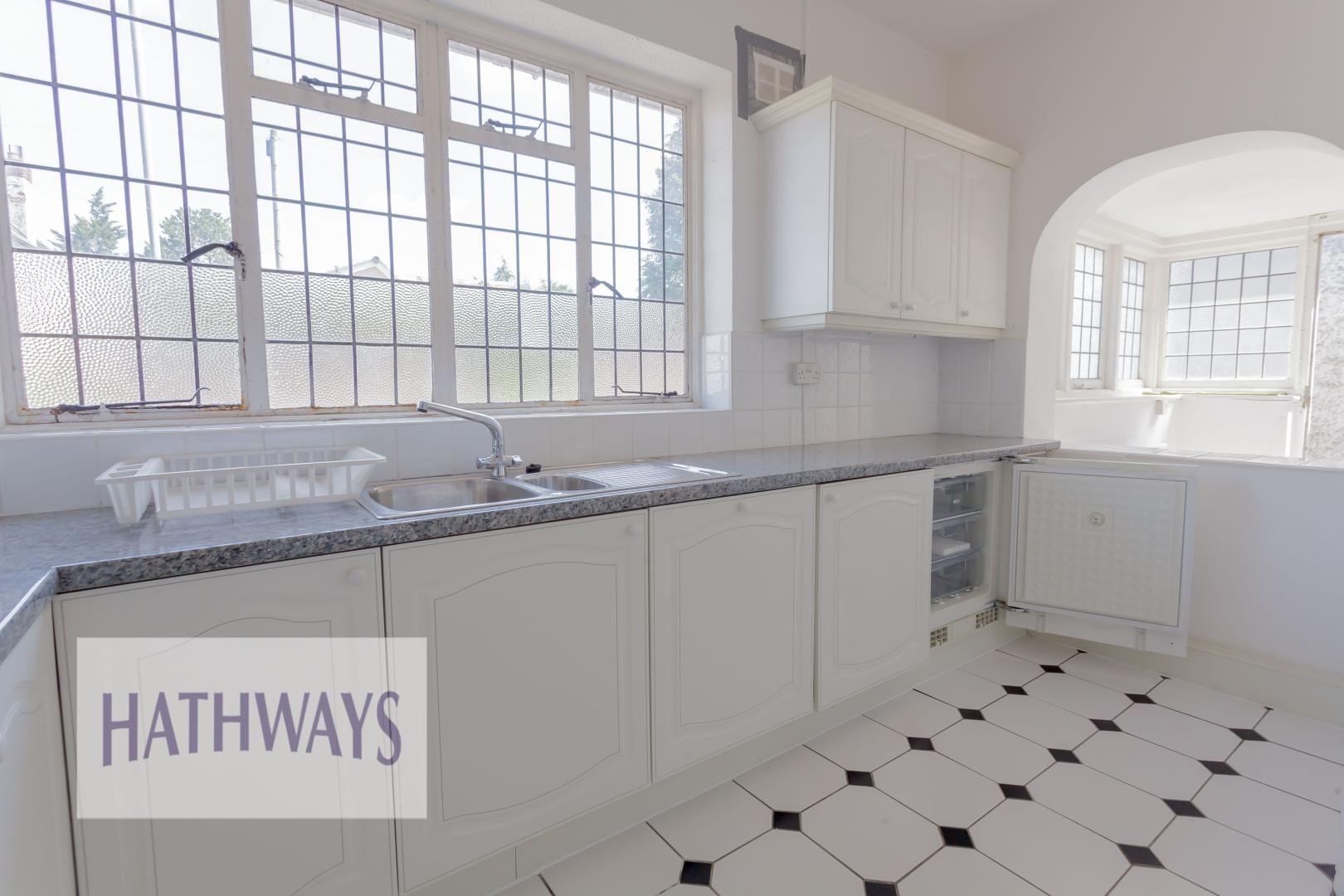 3 bed bungalow for sale in Christchurch Road 12