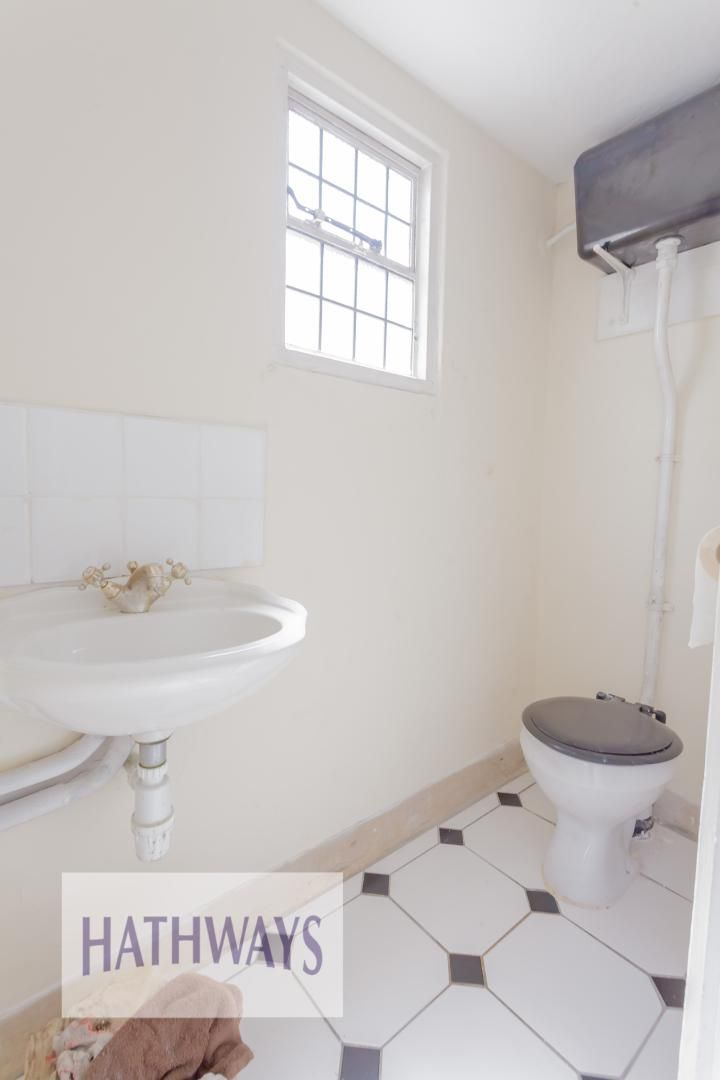 3 bed bungalow for sale in Christchurch Road 19