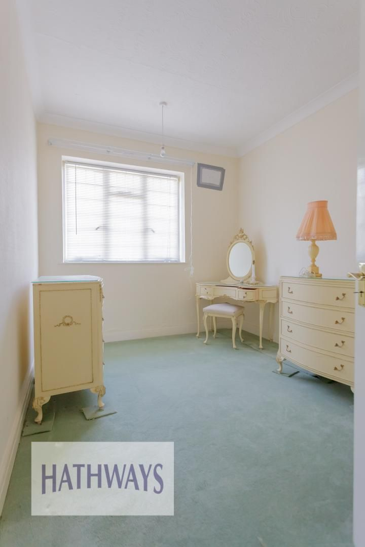 3 bed bungalow for sale in Christchurch Road 28