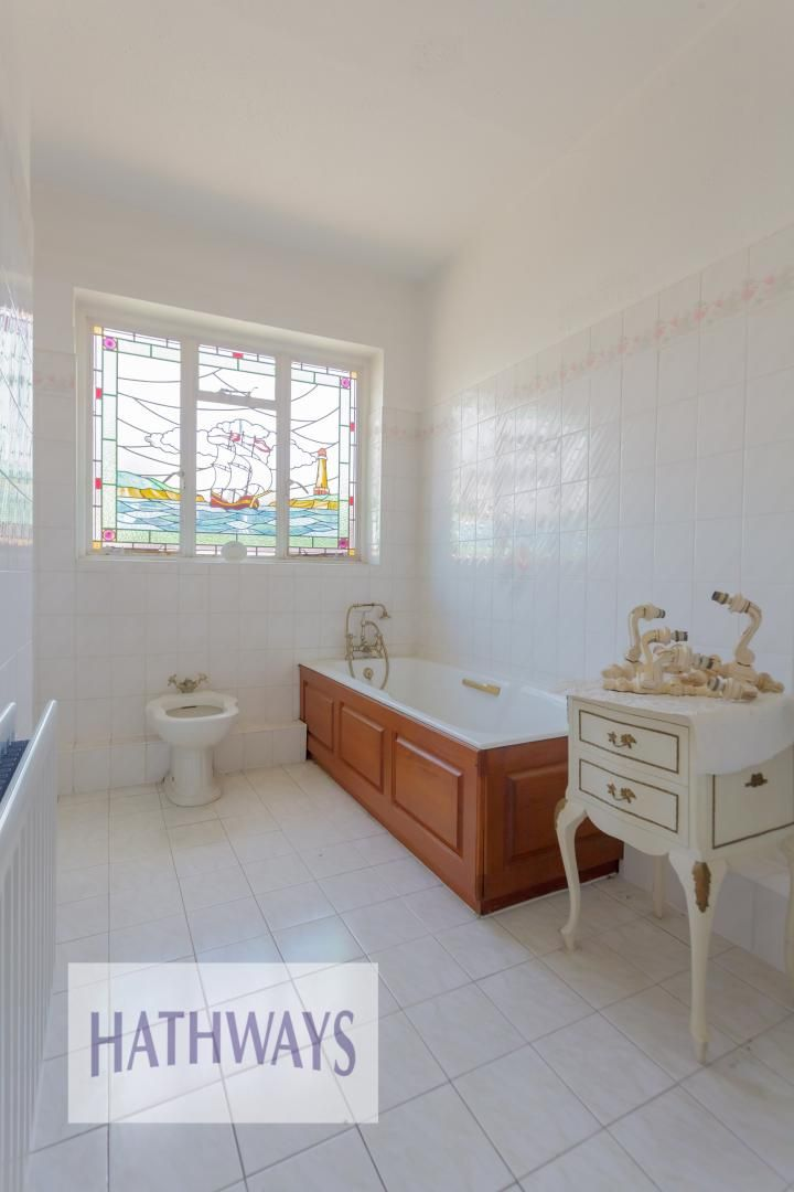 3 bed bungalow for sale in Christchurch Road 43