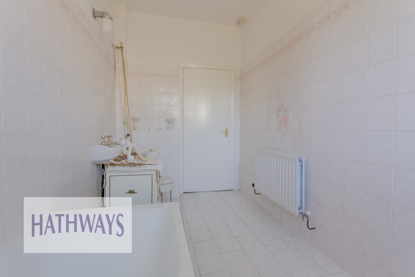 3 bed bungalow for sale in Christchurch Road 46