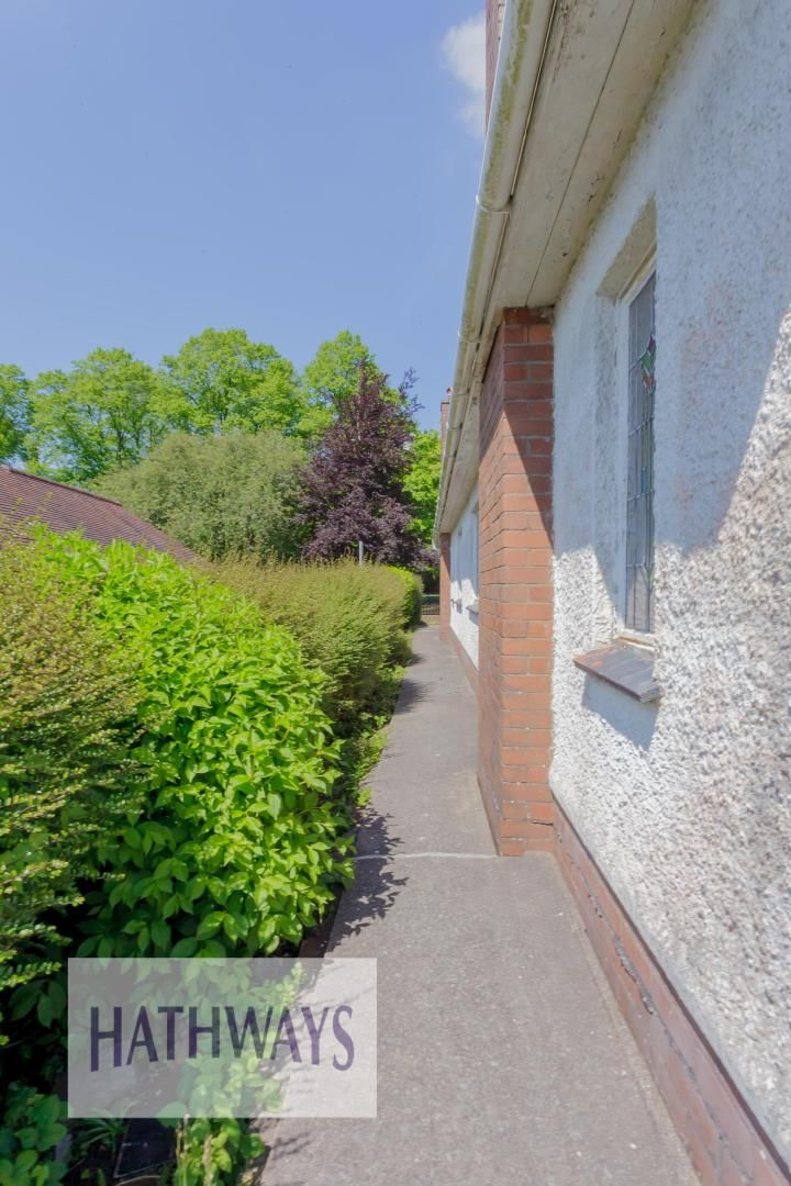 3 bed bungalow for sale in Christchurch Road 52