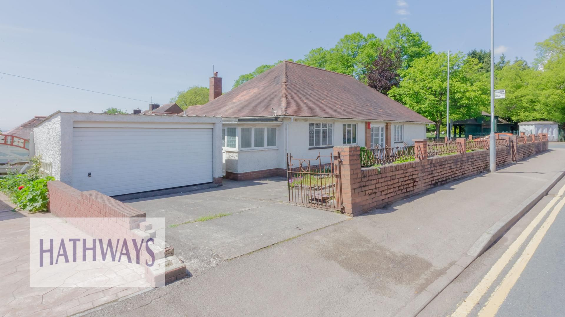 3 bed bungalow for sale in Christchurch Road 56