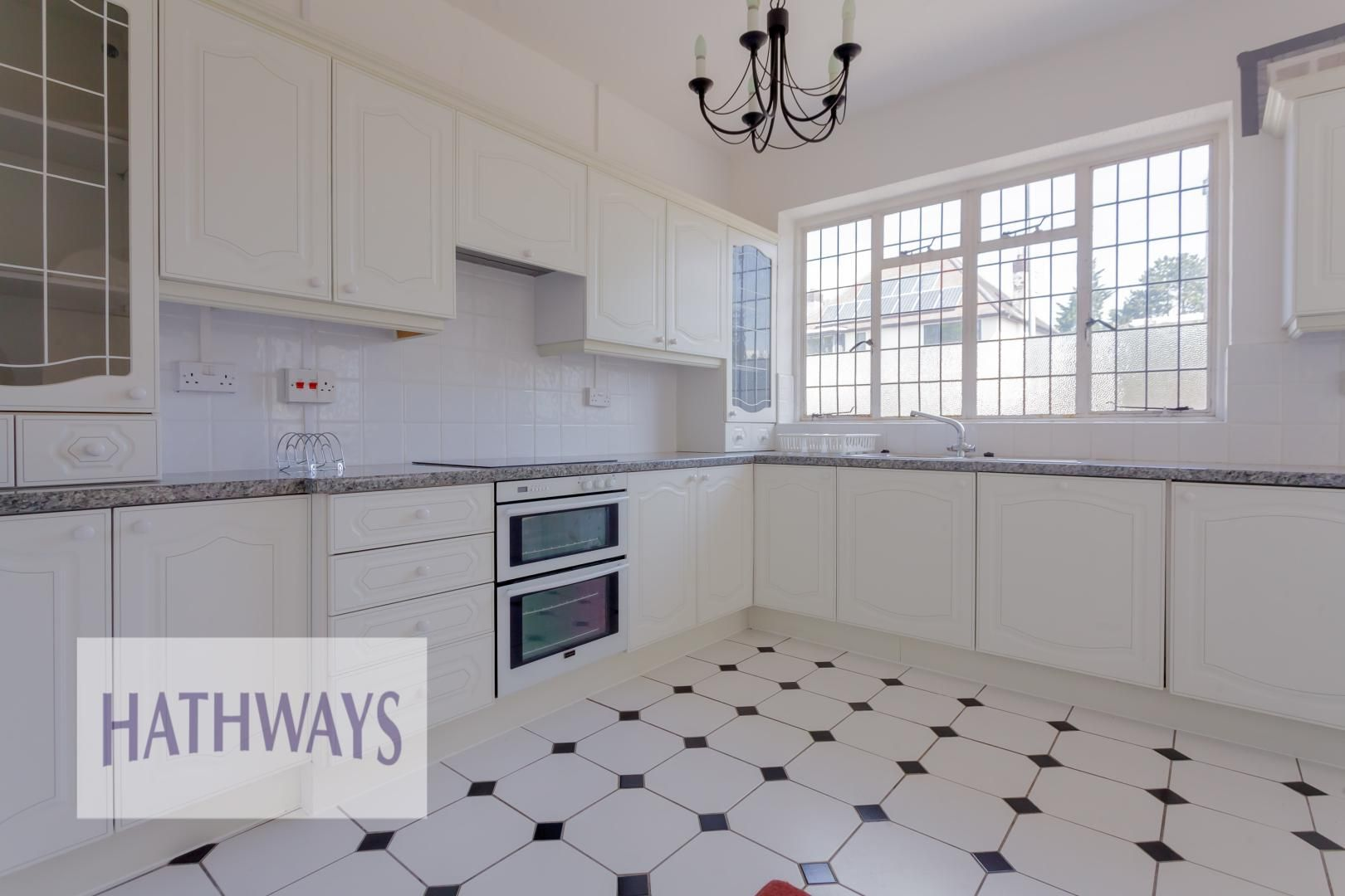 3 bed bungalow for sale in Christchurch Road 9