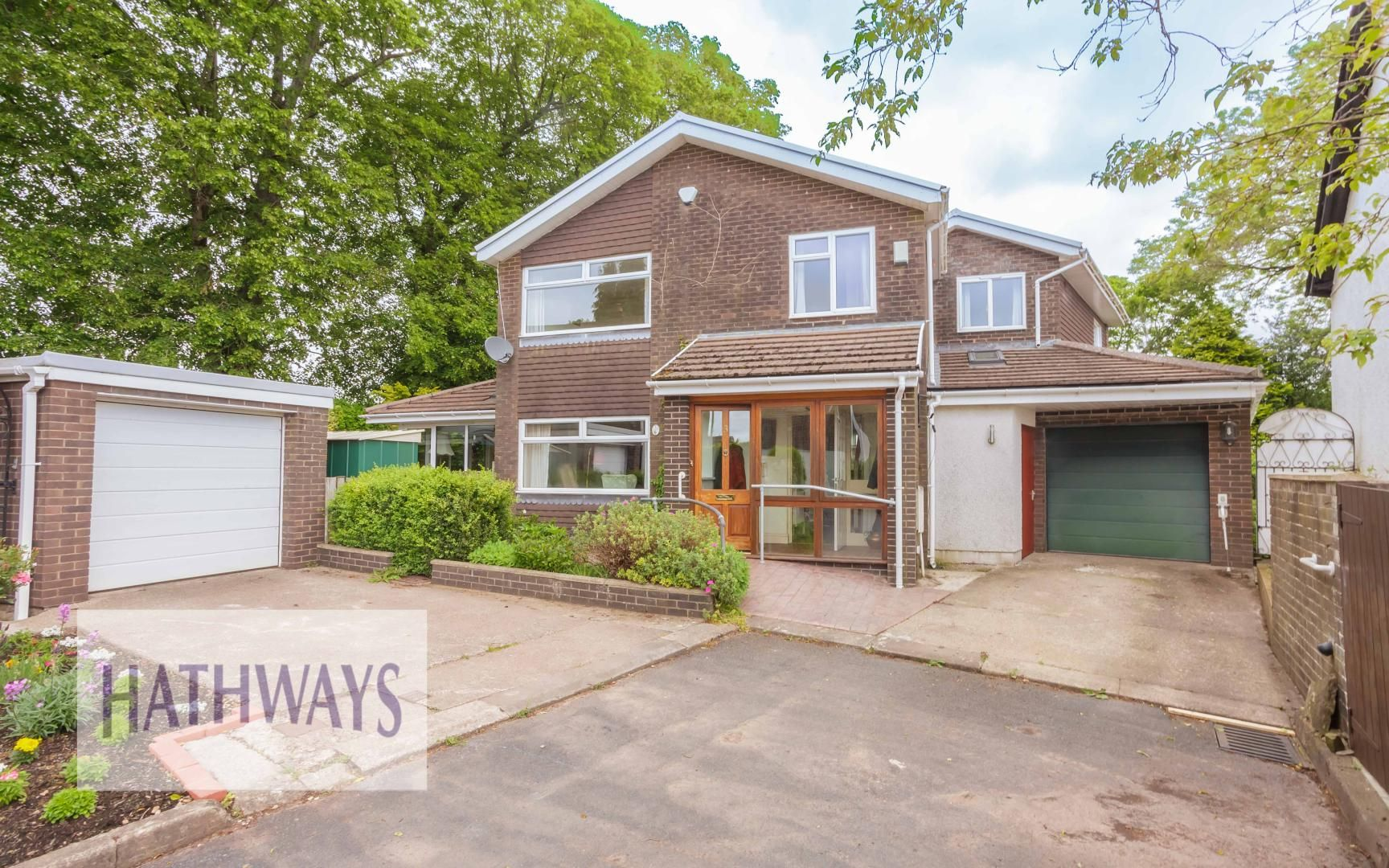 4 bed house for sale in Church Farm Close, NP20