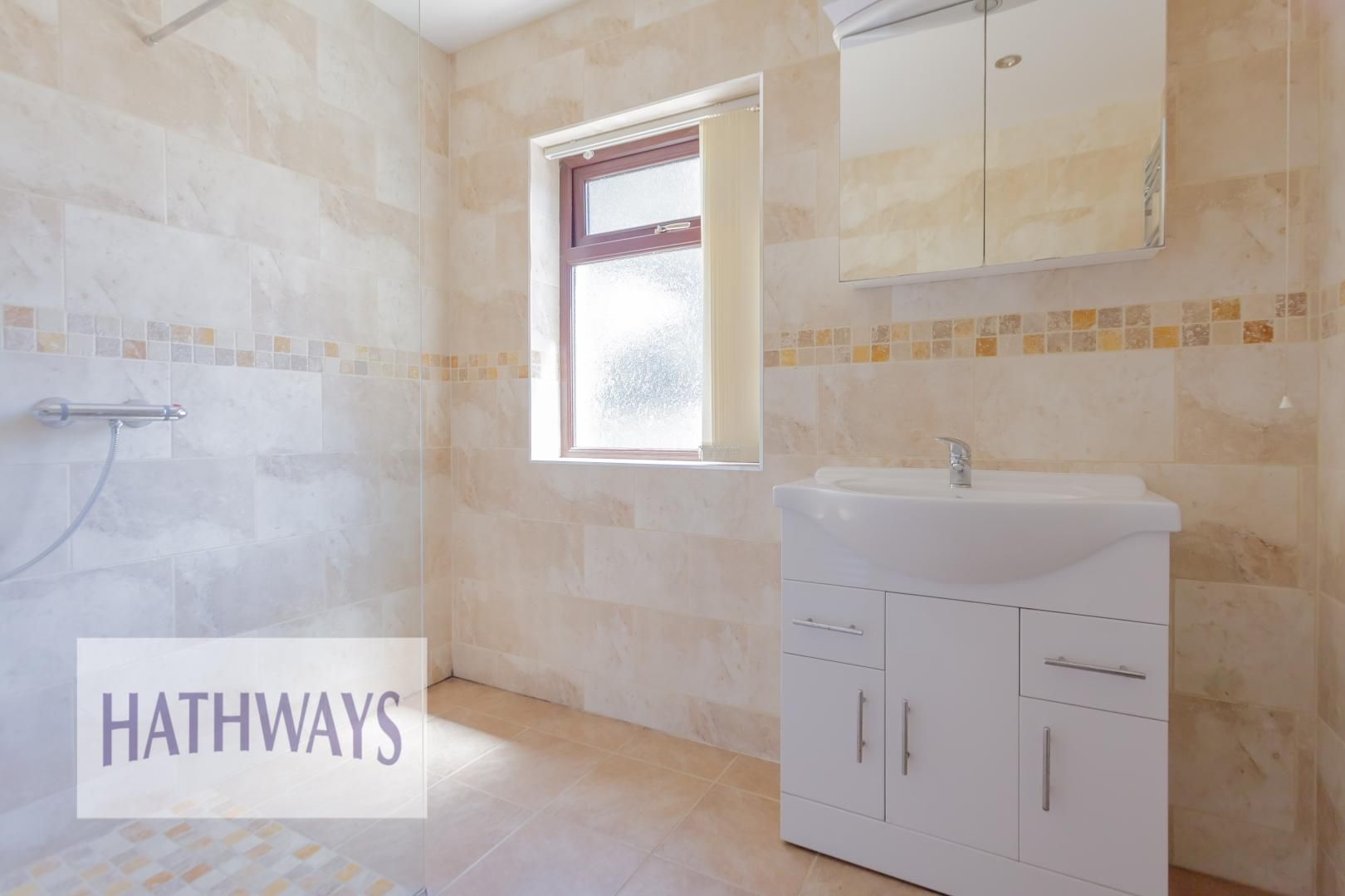 4 bed house for sale in Station Road 32