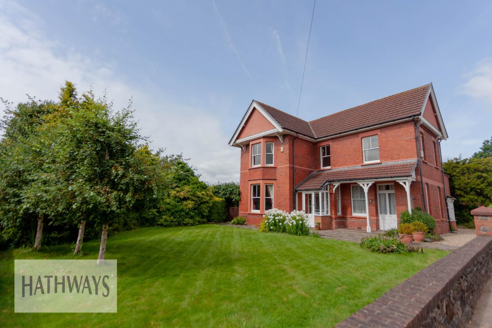 4 bed house for sale in Caerleon Road 1