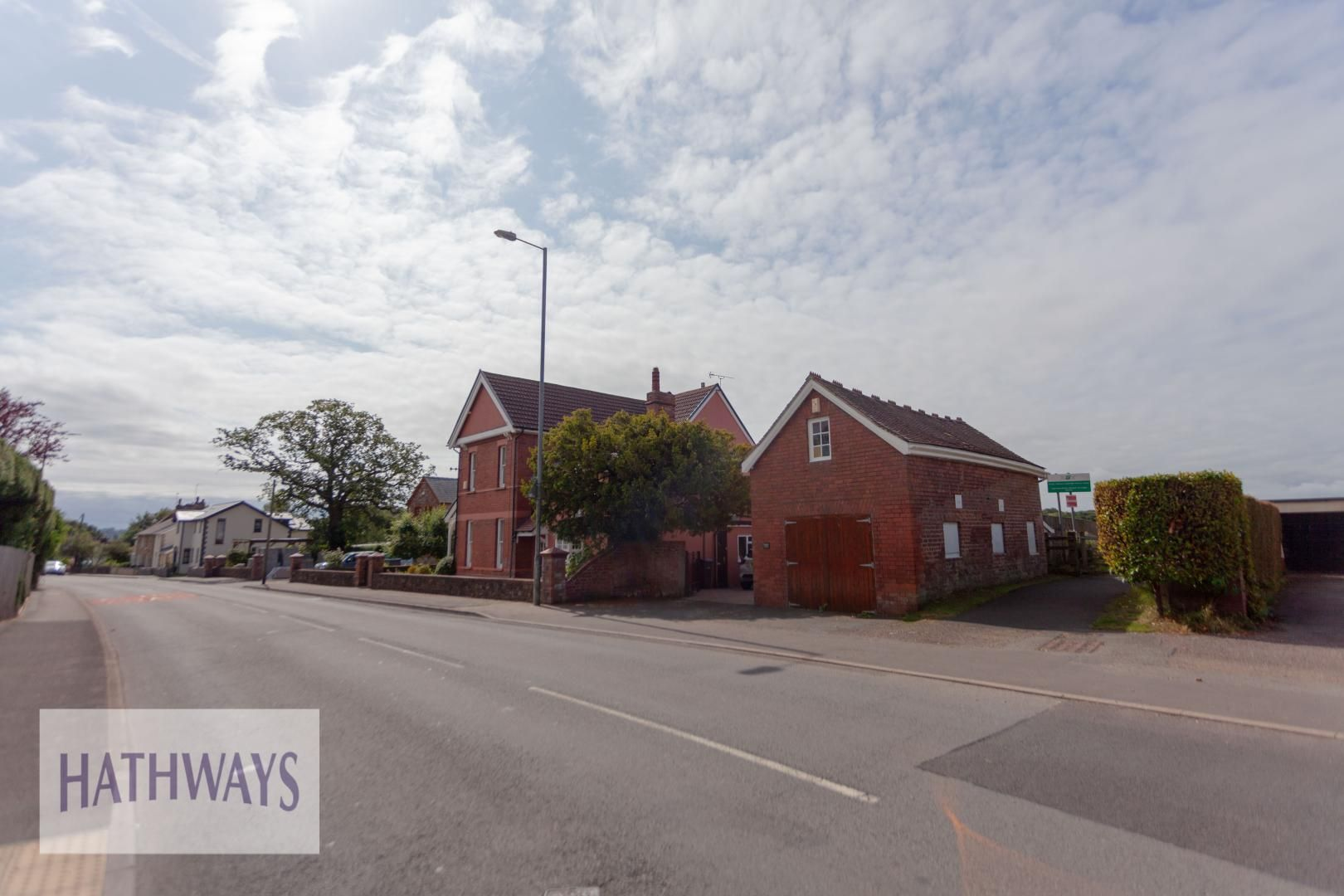 4 bed house for sale in Caerleon Road 4