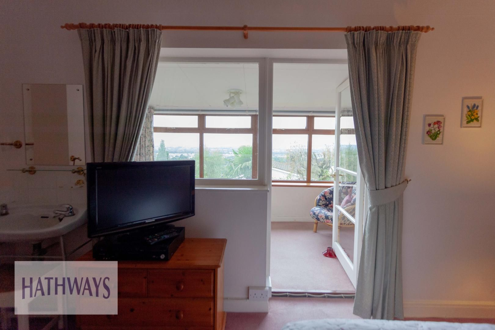 3 bed house for sale in Caerleon Road 38