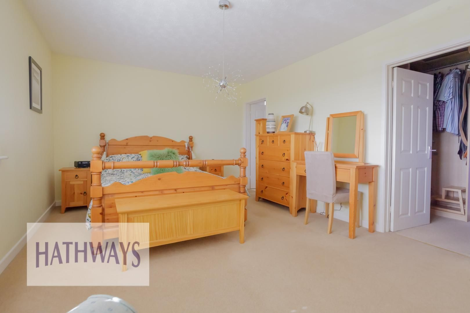 4 bed house for sale in Parkwood Close 13