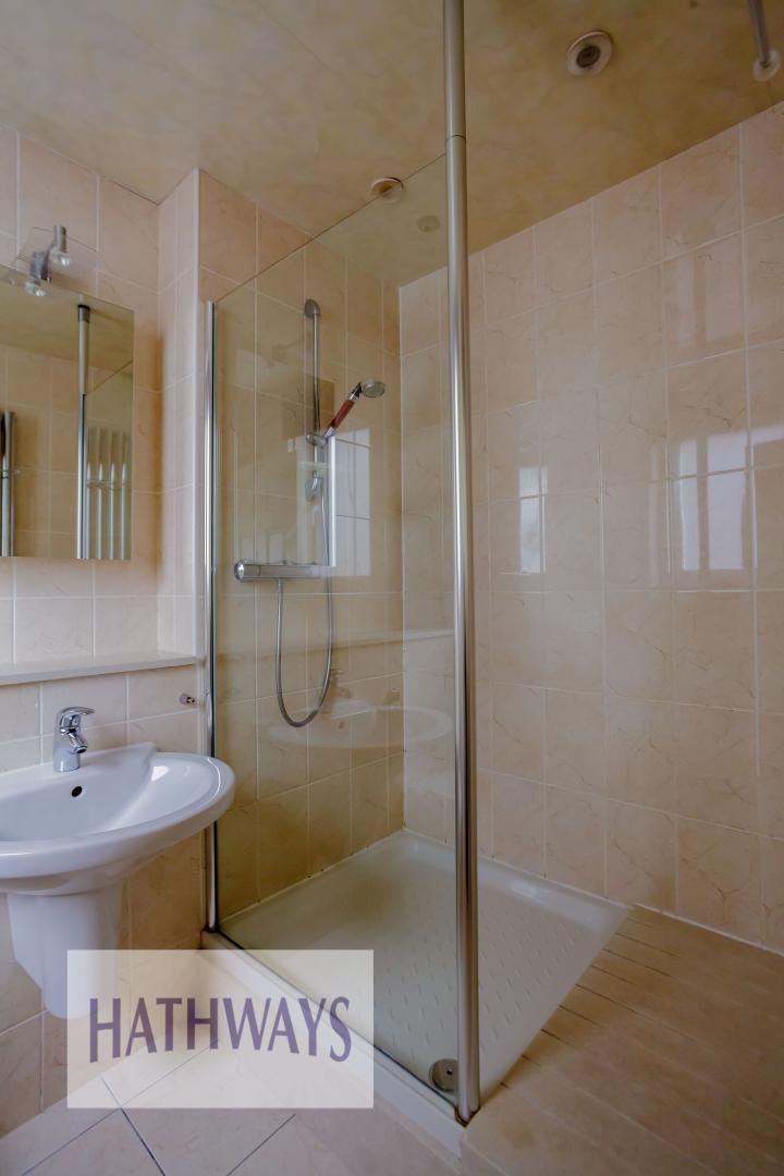 4 bed house for sale in Parkwood Close 20
