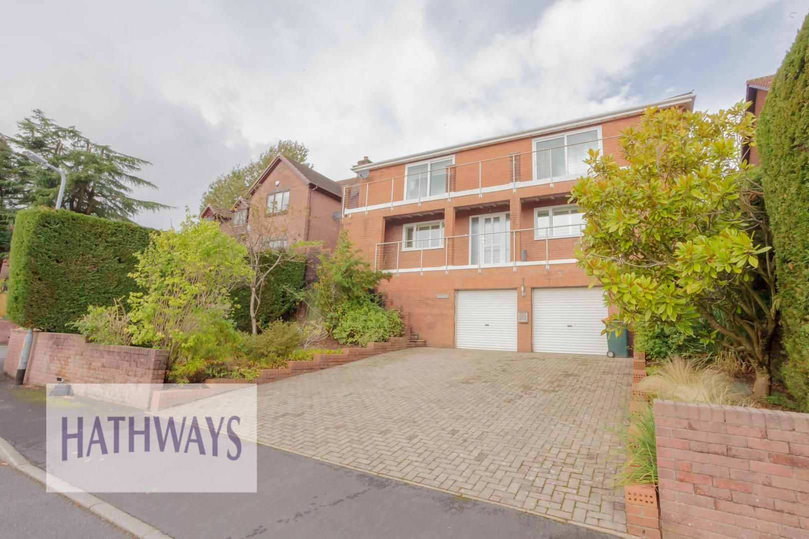 4 bed house for sale in Parkwood Close  - Property Image 3