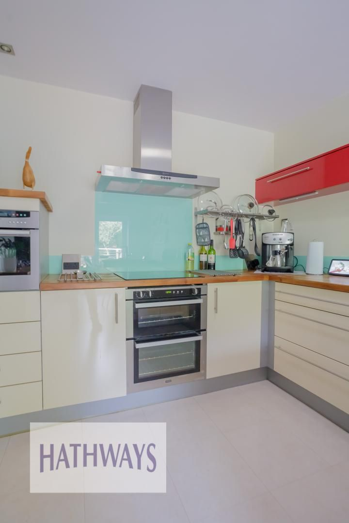 4 bed house for sale in Parkwood Close 46