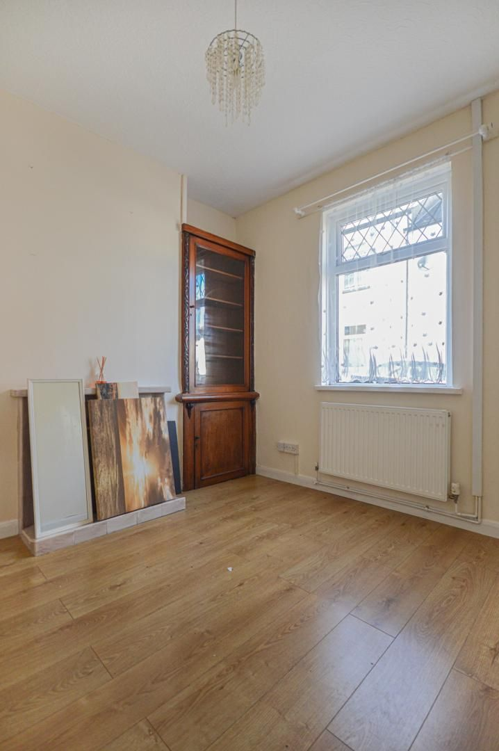 2 bed house to rent in Arthur Street 11
