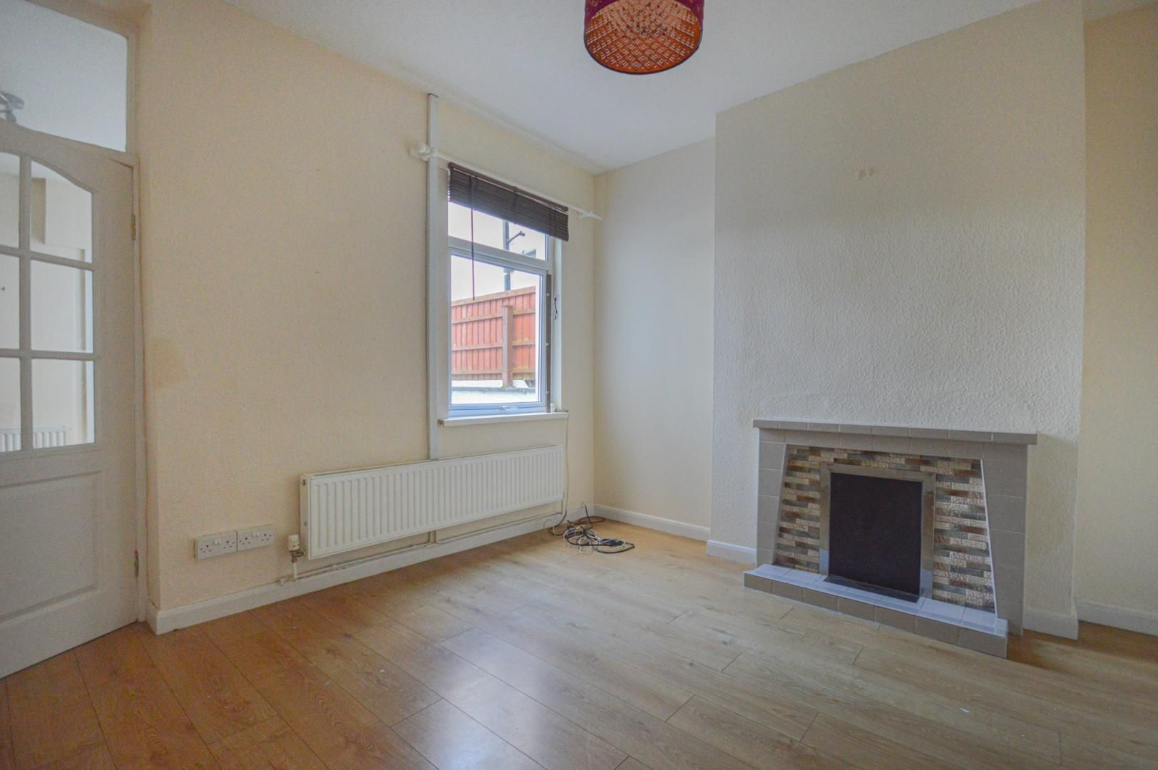 2 bed house to rent in Arthur Street 9