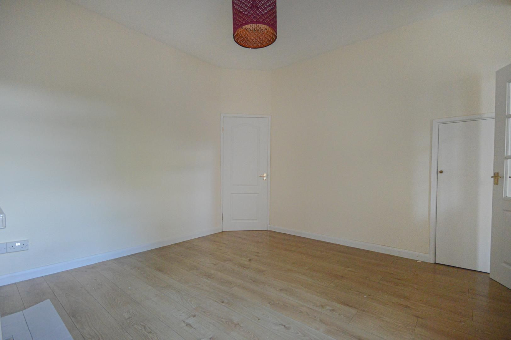 2 bed house to rent in Arthur Street 10